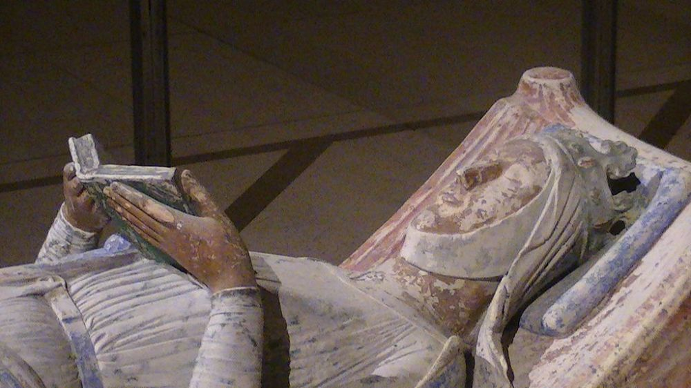 1024px-Church_of_Fontevraud_Abbey_Eleanor_of_Aquitaine_effigy