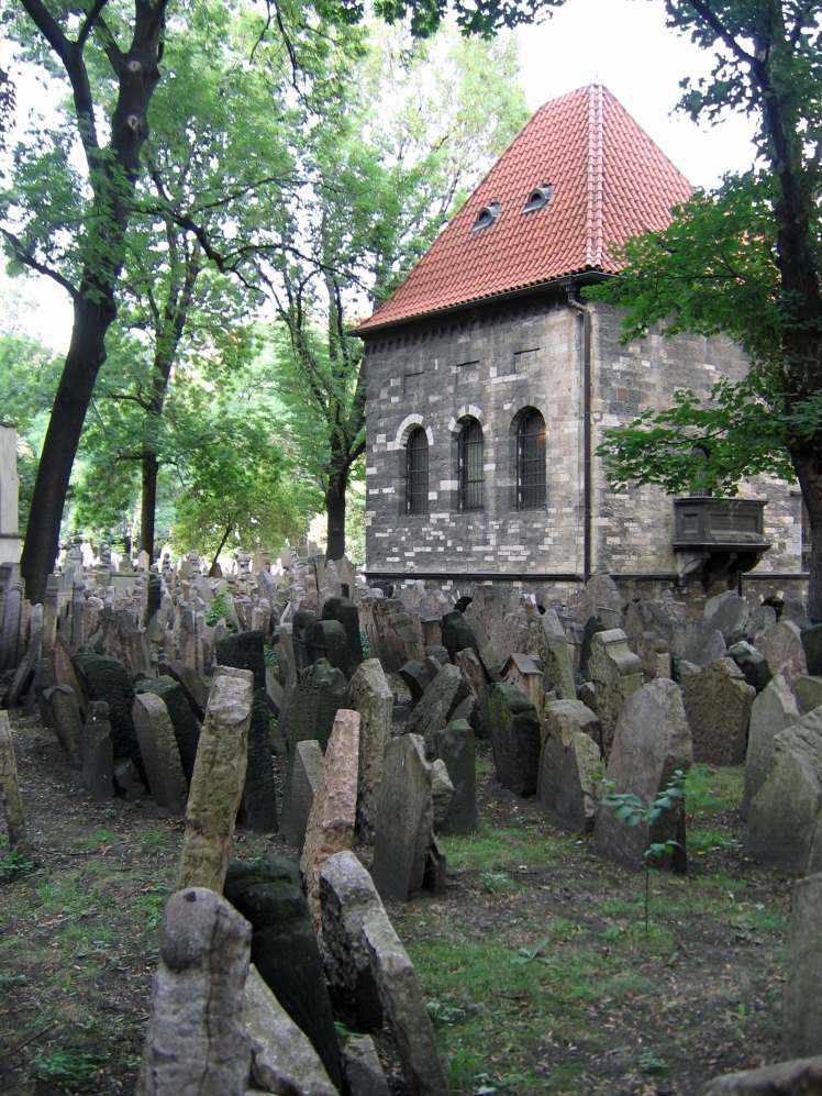 Old_Jewish_Cemetery,_Prague_047