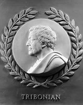 Tribonian_bas-relief_in_the_U.S._House_of_Representatives_chamber